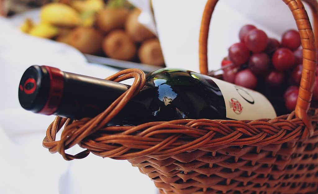 Giving wine as a hostess gift